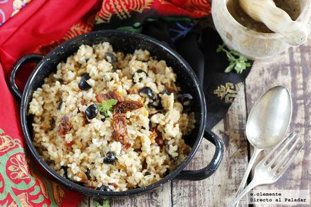 Receta de arroz integral con tomates secos, almendras y aceitunas