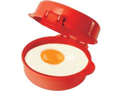 Recipiente para cocinar huevos y tortillas en el microondas por 4,99 euros en Amazon