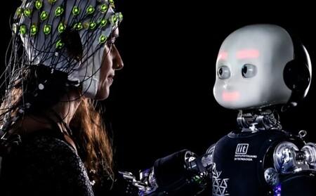 """El humano toma tan en cuenta cuando alguien le ve, que hasta la """"mirada"""" de este robot altera su proceso de toma de decisiones: estudio"""