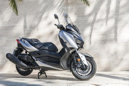 Yamaha Xmax 400 2019 Prueba Scooter De Largo Alcance Con Capacidad Para Dos Cascos