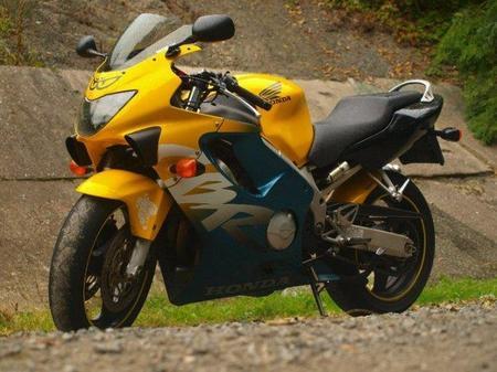 Honda_CBR_600_F_1999-2000