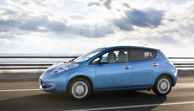 Nissan LEAF azul de primera generación