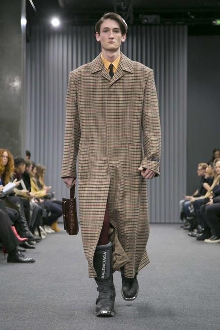 Los abrigos XL: la tendencia que París nos ofrece para el próximo invierno