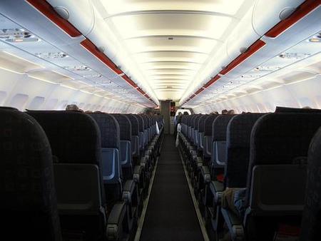 """¿Qué hábitos de tus """"compañeros de vuelo"""" te molestan?"""