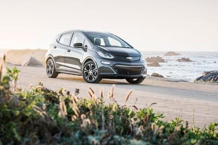 El Opel Ampera-e tiene un nuevo vídeo y el Chevrolet Bolt sus primeros concesionarios