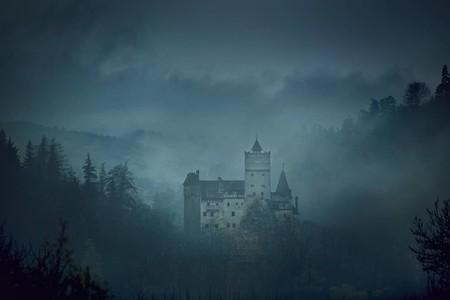 Pasa una noche en el castillo de Drácula con este concurso de Airbnb