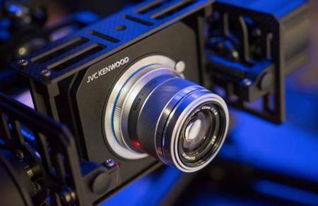 JVC se involucra en el mercado de las cámaras Micro Cuatro Tercios con soporte 4K