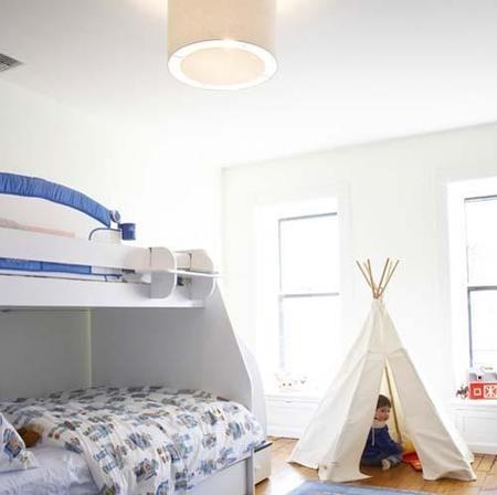 Puertas abiertas: una habitación infantil para dos