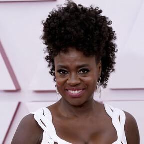 Premios Oscar 2021: los peores vestidos que han pisado la alfombra roja del cine
