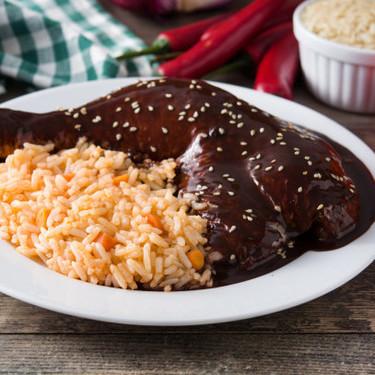 Mole rojo de Oaxaca. Receta de la cocina tradicional mexicana