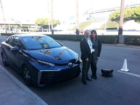 """Nissan: """"las autoridades deberían promocionar el coche eléctrico antes que el de hidrógeno"""""""