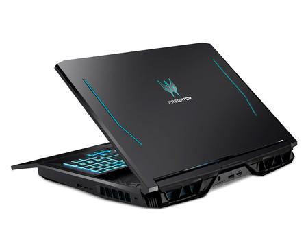 Acer Predator Helios 700 01