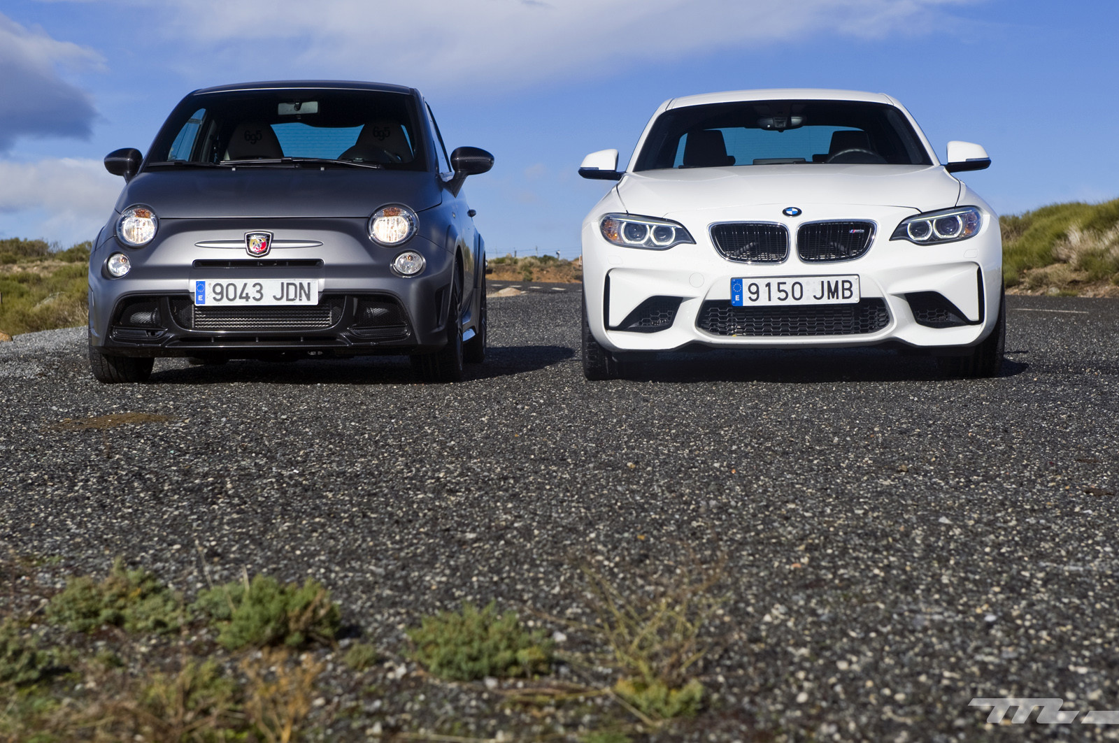 Foto de Abarth 695 Biposto vs BMW M2 (8/44)