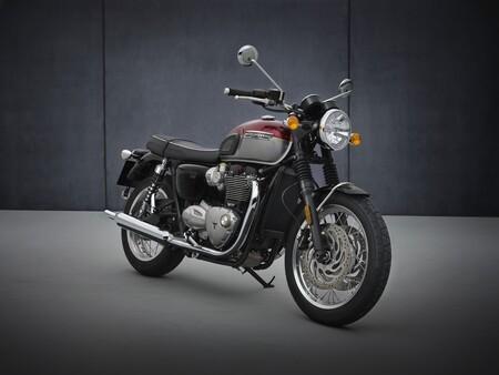 Triumph Bonneville T120 2021 009