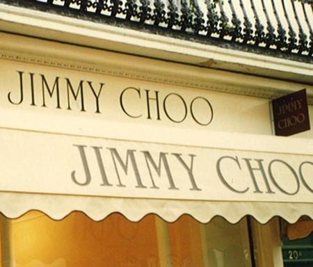 Jimmy Choo sale a la venta y espera inversores para remontar el vuelo
