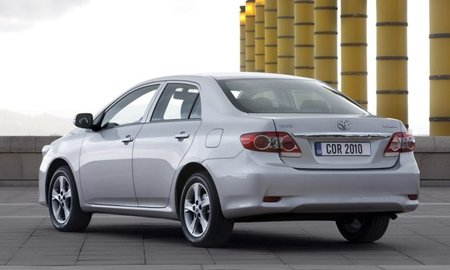 Toyota-Corolla-sedan-2