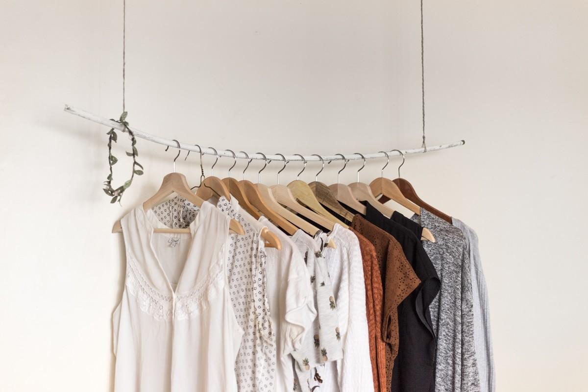 9c44a3aa04a Se puede vivir sin comprar ropa  Tres mujeres que han hecho dieta de compras  nos cuentan su experiencia