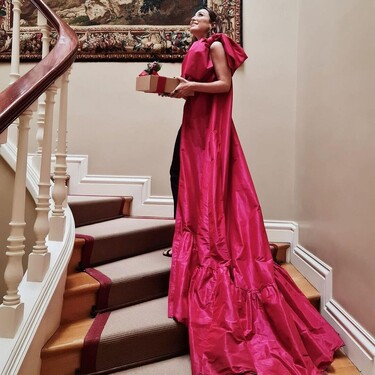 No es un vestido de alfombra roja, es el top con cola más alucinante (y lo ha lucido Tamara Falcó)
