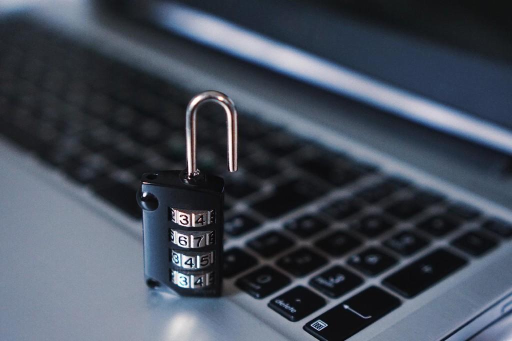 EncroChat: la Policía europea descifra la extendida red de mensajería encriptada para narcotraficantes y detiene a más 800 criminales
