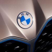 BMW estrena logo, ahora es transparente y bidimensional