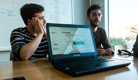 Ángel y Daniel, del Hyperloop UPV Team