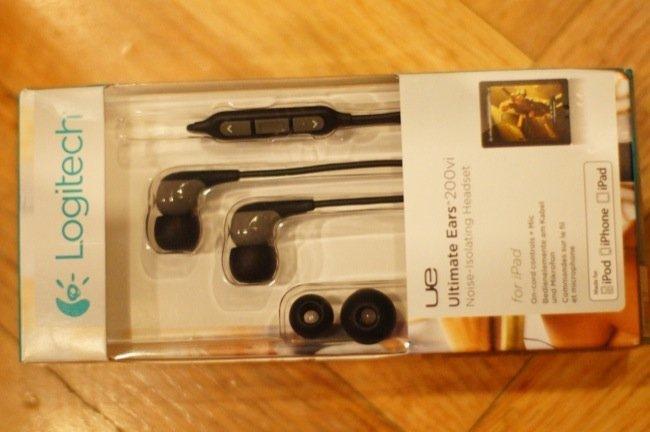 Caja de los Logitech Ultimate Ears 200vi