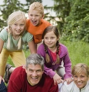 El número de familias numerosas en España aumentó en 2018: una de cada cinco son monoparentales