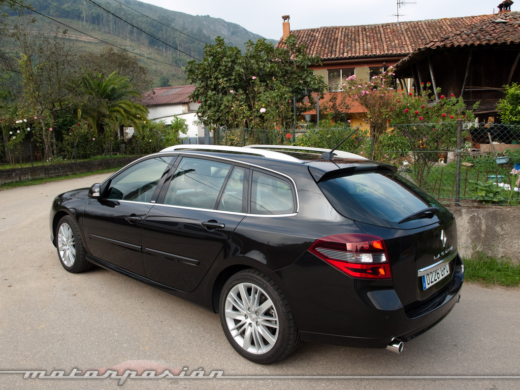foto de renault laguna gt 4control grand tour 3 35. Black Bedroom Furniture Sets. Home Design Ideas