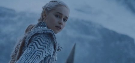 La evolución del estilo de Daenerys Targaryen alcanza su punto más alto con este maravilloso abrigo