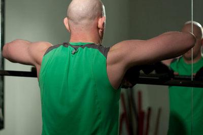 No olvides trabajar la espalda