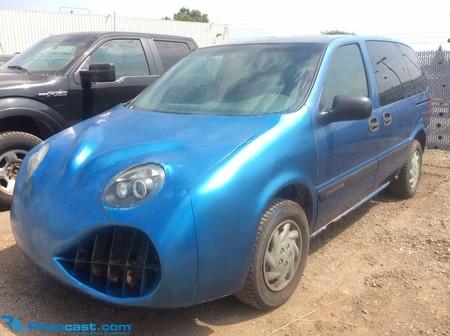 Este Opel Sintra que parece no haber pasado el casting de 'Cars' está a la venta, pero nadie quiere pujar por él