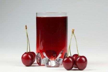 La forma y el tamaño de la copa influyen en la velocidad a la que bebemos el alcohol