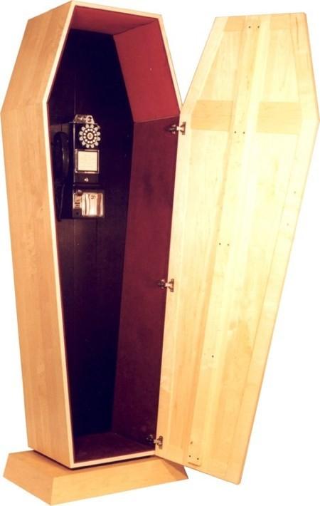 Muebles con forma de ataúd