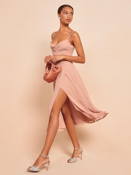 https://www.thereformation.com/products/gala-dress?color=Blush&via=Z2lkOi8vcmVmb3JtYXRpb24td2VibGluYy9Xb3JrYXJlYTo6Q2F0YWxvZzo6Q2F0ZWdvcnkvNWE2YWRmZDJmOTJlYTExNmNmMDRlOWM3