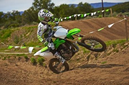 Nace la Kawasaki KX Challenge para ayudar a jóvenes pilotos