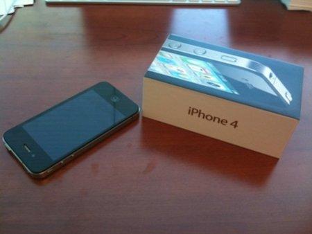 Llegan las primeras unidades del iPhone 4, fotos de su nueva caja y contenido