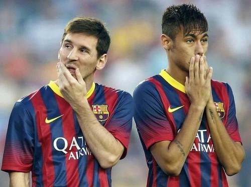 FIFA 16 vs. PES 2016. ¿Quién ganará el partido?