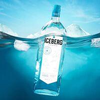 A la caza de icebergs y glaciares: así funciona el mercado de agua de lujo para fabricar vodka
