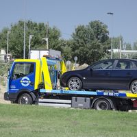 El coche no arranca: cómo mirar el seguro para saber si te cubre la grúa de asistencia