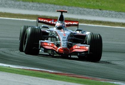 Alonso marca el mejor tiempo de la jornada en Monza