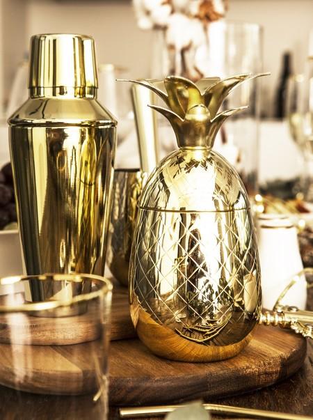 Mesas de fiesta doradas