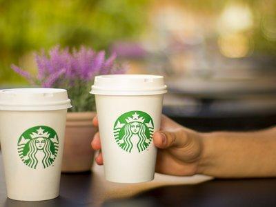 Un análisis encuentra bacterias fecales en Starbucks y otras franquicias