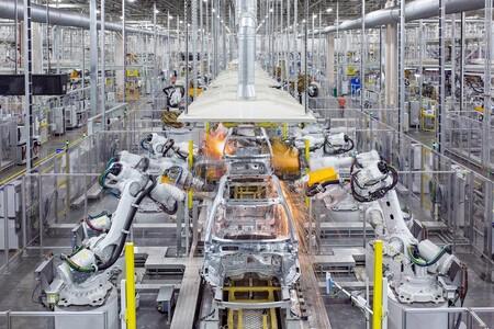 Volvo no sólo quiere descarbonizarse con coches eléctricos, también va a usar el primer acero sin combustibles fósiles