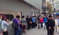 Los iPhone 6 se lanzan en los Estados Unidos y otros países con grandes colas