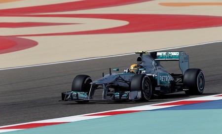 Lewis Hamilton penalizado con cinco posiciones en parrilla
