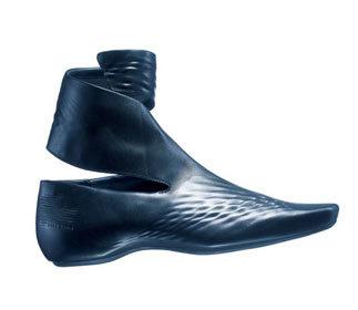 Zaha Hadid y Lacoste, calzado futurista en espiral