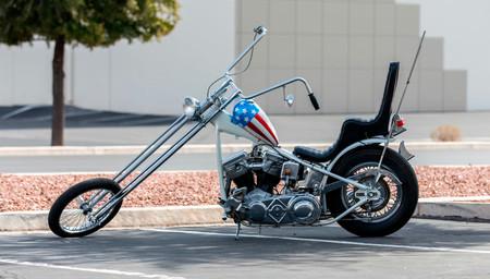 ¡Pujen! A subasta una réplica de la Harley-Davidson Capitán América de la película Easy Rider