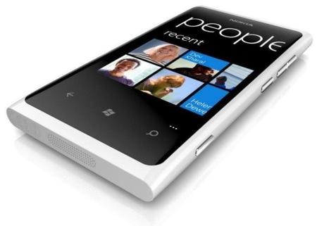 Nokia Lumia 800 se pasa al blanco