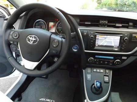 Toyota Auris Touring Sport Hibrido, puesto de conducción