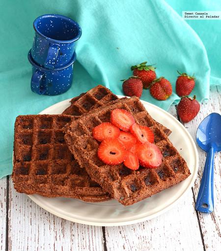 Aprende a preparar unos waffles de brownies. Receta para el Día de las Madres